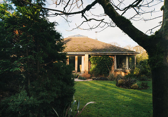 1980s Ian Taylor-designed single-storey property in Gaunts Common, Dorset