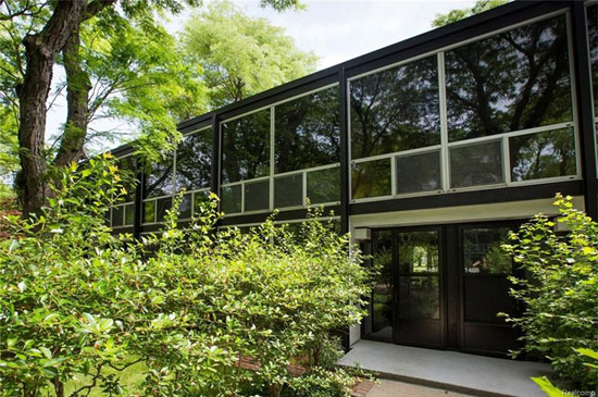Mies Van Der Rohe-designed modernist townhouse in Detroit, Michigan, USA