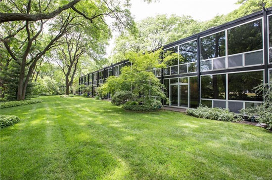 Mies Van Der Rohe-designed modernist townhouse in Detroit, Michigan, USA