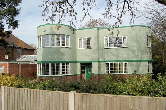 1930s art deco house in Gloucester, Gloucestershire