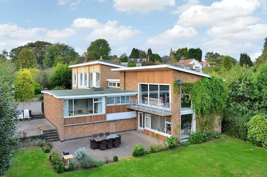 Six-bedroom contemporary modernist house in Thurgarton, Nottinghamshire