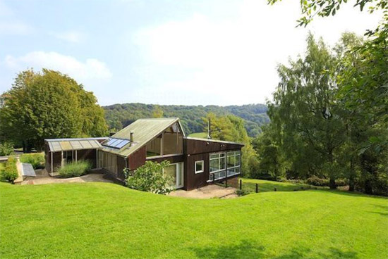 1970s modernist property in Sheepscombe, near Stroud, Gloucestershire