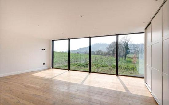 Contemporary modernist property in Teddington, Gloucestershire