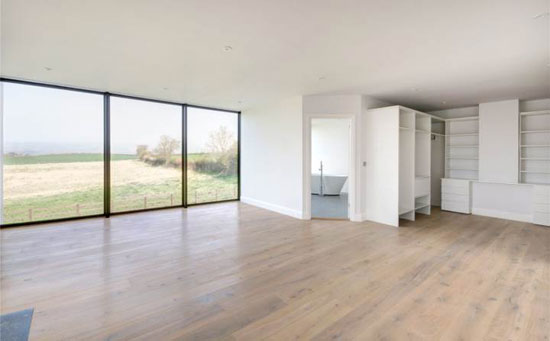 Contemporary modernist property in Teddington, Gloucestershire