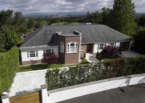 1930s goes modern: Five-bedroomed Ruberslaw house in Whitecraigs, Glasgow, Lanarkshire