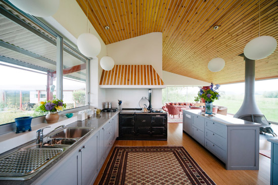 Richard Paxton-designed modernist barn in Glastonbury, Somerset
