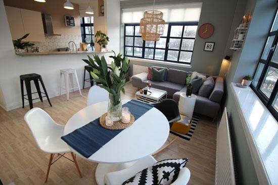 Apartment in the Cornelius Armour-designed art deco Luma Tower in Glasgow, Scotland