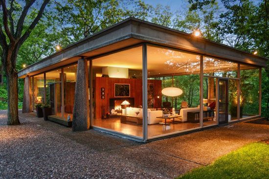 On the market: 1960s H.P. Davis Rockwell House modernist property in Olympia Fields, Illinois, USA