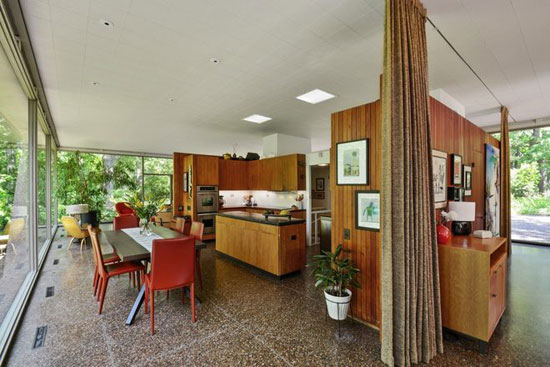 1960s H.P. Davis Rockwell House modernist property in Olympia Fields, Illinois, USA