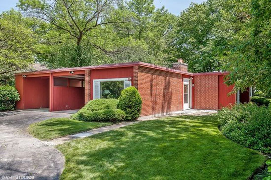 On the market: 1950s Keck and Keck-designed midcentury property in Glencoe, Illinois, USA