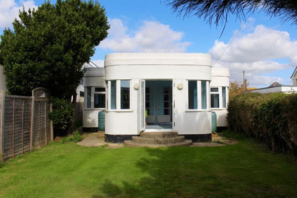 1920s art deco property in Goring-by-Sea, West Sussex