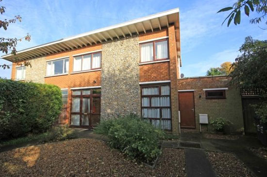 On the market: 1950s three-bedroom Erno Goldfinger-designed property in Broadstairs, Kent
