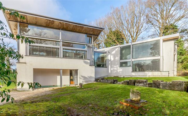 Grand Designs: The Inverted-Roof House in Amersham, Buckinghamshire