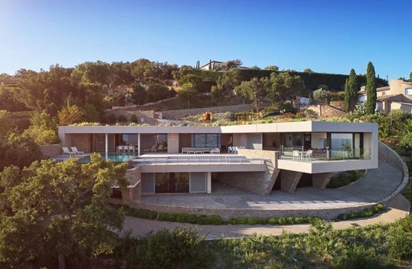 Coastal modernism: Five-bedroom property in Grimaud on the French Riviera, France