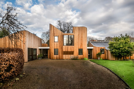 1980s Walter Greaves modernist property in Runcton, West Sussex