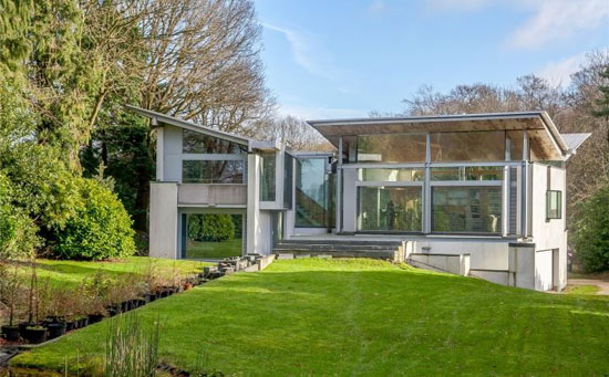 Grand Designs The Inverted Roof House In Amersham