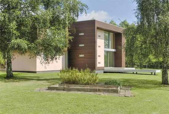 Longwood House contemporary modernist property in Southwick, Northamptonshire