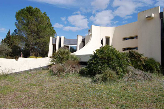 1970s architect-designed brutalist property in Grabels, southern France