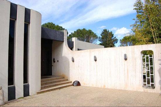 1970s architect-designed brutalist property in Grabels, southern France