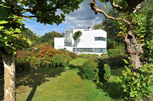 Back on the market: 1930s Amyas Connell-designed modernist property in Grayswood, Surrey