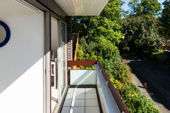 1960s Norman Starrett modernist townhouse in Chislehurst, Kent