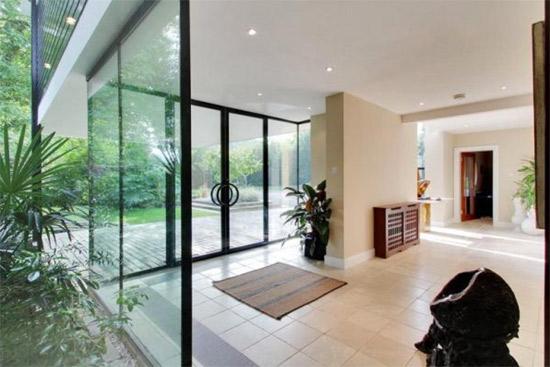 1960s Michael Twigg-designed Medlars modernist property in East Grinstead, West Sussex
