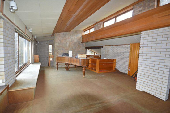 Time capsule for sale: 1960s modernist property in Grayshott, Hampshire
