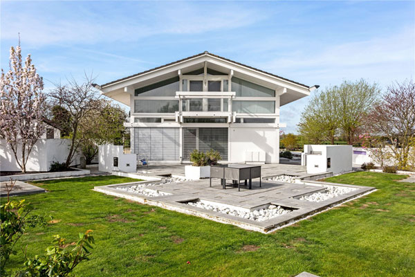 Huf Haus for sale: Three-bedroom house in Wanborough, Wiltshire