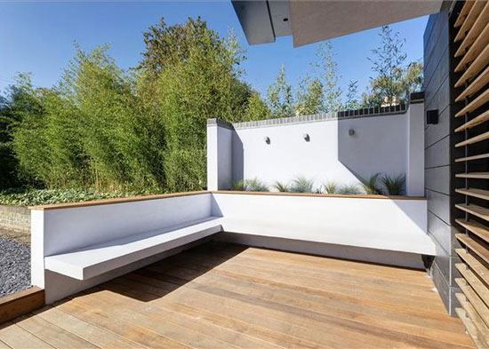 Hilltop House contemporary modernist property in Kingston upon Thames, Surrey