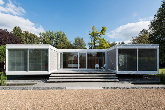 On the market: 1960s Foggo and Thomas-designed modernist property in Holyport, Berkshire