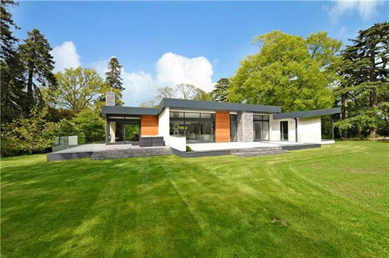 On the market: David Wright-designed modernist property in Wimborne, Dorset