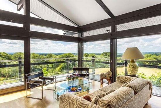 Three-bedroom Huf Haus in Crockham Hill, Kent