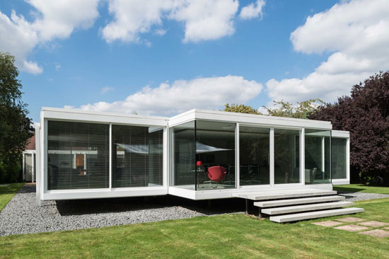 1960s Foggo and Thomas-designed modernist property in Holyport, Berkshire