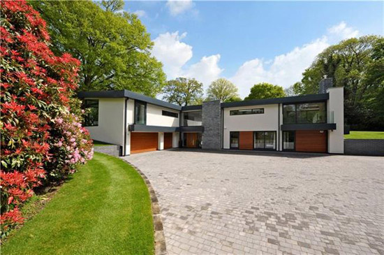 David Wright-designed modernist property in Wimborne, Dorset