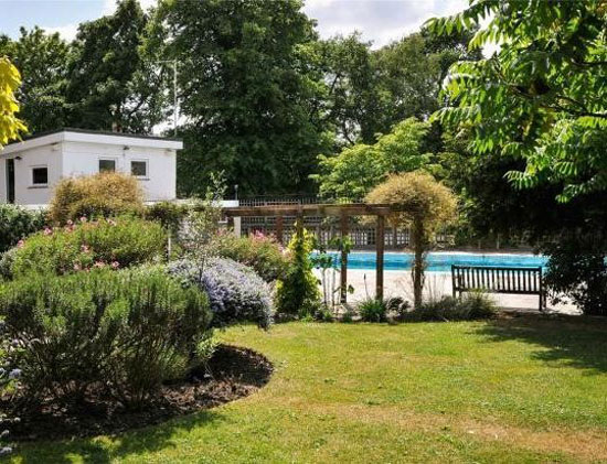 At auction: Four-bedroom apartment in the 1930s Berthold Lubetkin Highpoint building in North Hill, London N6