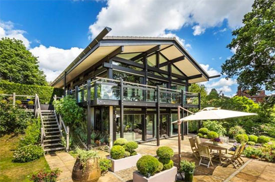Three-bedroom Huf Haus in Crockham Hill, Kent