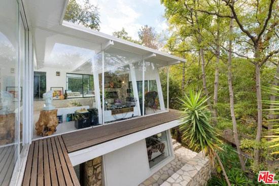 1950s midcentury modern: Harry Greene-designed property in Los Angeles, California, USA