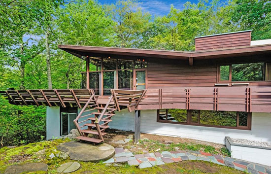 1950s midcentury modern: David Henken-designed property in New Castle, New York, USA