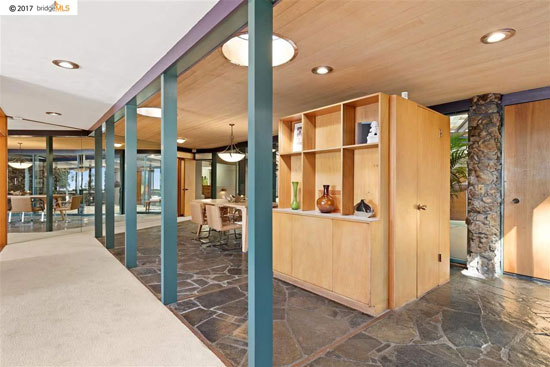1960s midcentury modern: Henry Hills-designed property in El Cerriro, California, USA