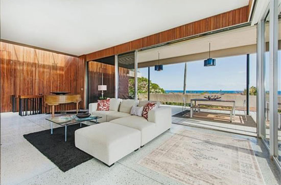 1960s Howard Wong-designed midcentury property in Honolulu, Hawaii, USA