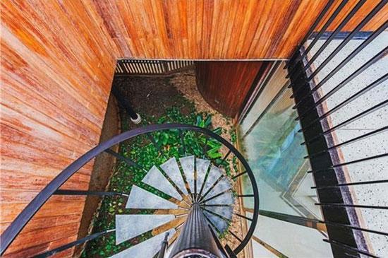 1960s Howard Wong-designed midcentury property in Honolulu, Hawaii, USA