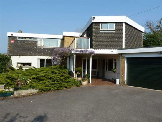 On the market: 1960s Longfield five bedroom house in Hill Head, Fareham, Hampshire
