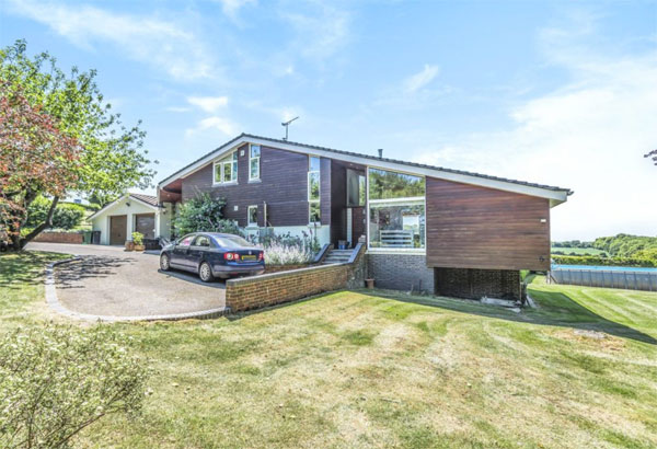 1960s midcentury modern house in Alresford, Hampshire