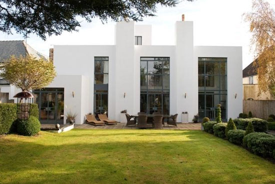 Five-bedroom contemporary modernist property in Harrogate, North Yorkshire