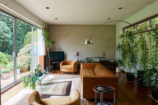 1970s modernism: Three-bedroom property in Barming, Kent