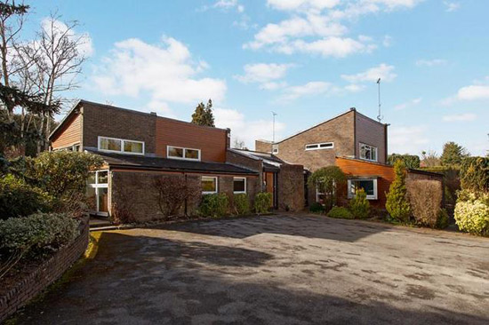 On the market: Barnfield 1960s modernist property in Henley-On-Thames, Oxfordshire