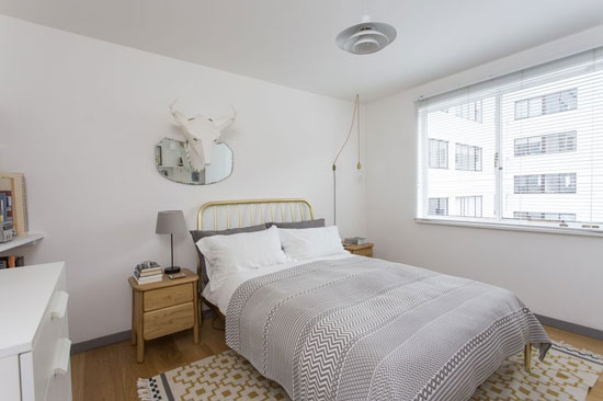 Apartment in the Berthold Lubetkin-designed grade I-listed Highpoint building in London N6