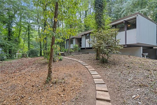 1950s Jim Sherrill midcentury modern house in Hickory, North Carolina, USA