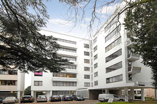 On the market: First floor apartment in the grade I-listed Berthold Lubetkin-designed Highpoint building in North Hill, London N6