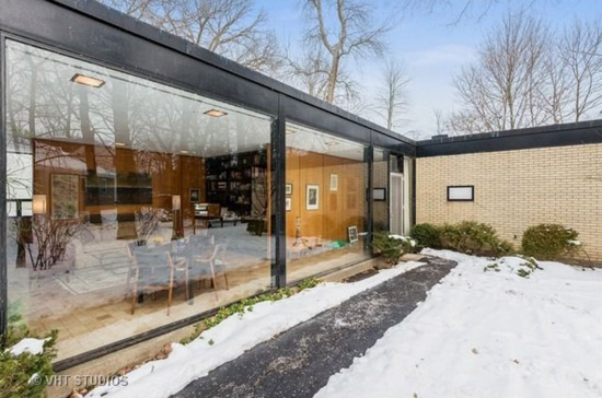 1950s James Speyer-designed modernist property in Highland Park, Illinois, USA